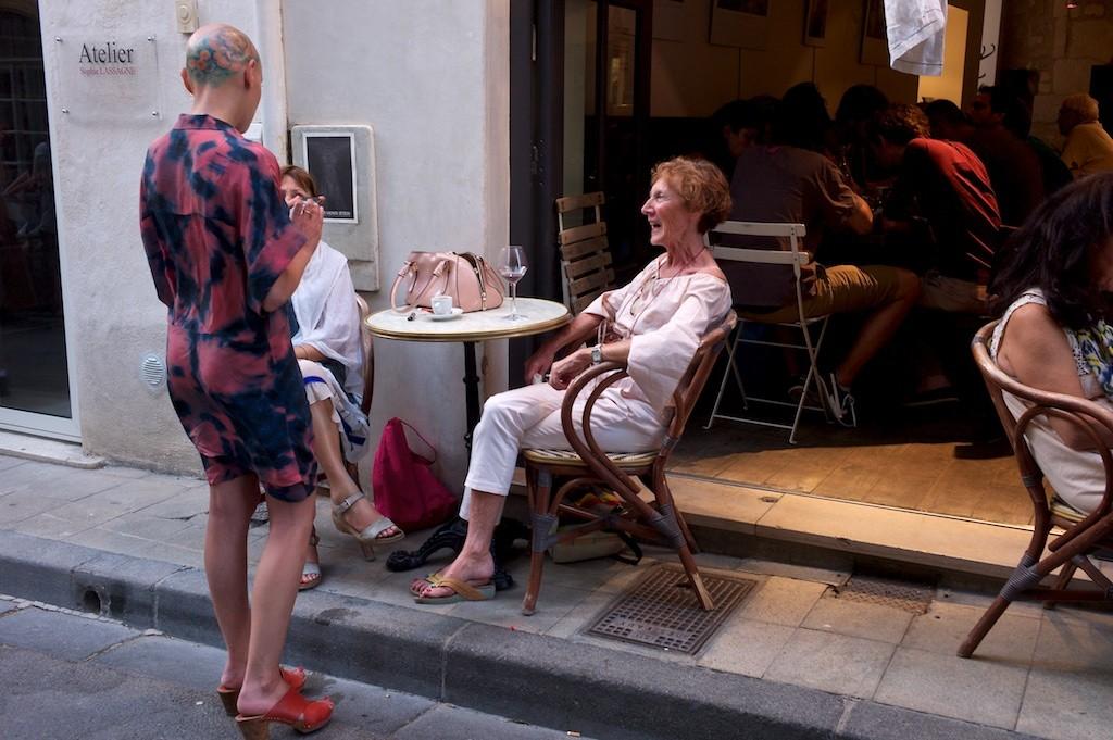 Arles_conversation_piece