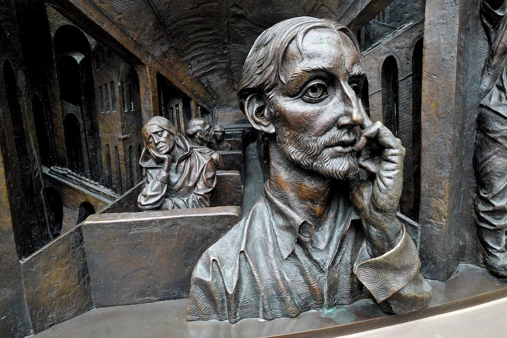 St Pancras sculpture2-blogsize