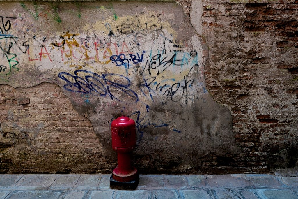 Graffito and fire hydrant_blog